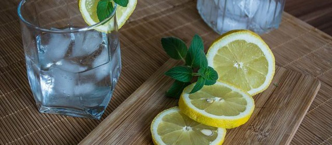 cropped-lemon-water.jpg